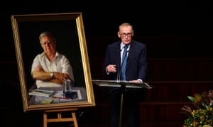 Bob Carr speaks during the state memorial service for union leader and conservation activist Jack Mundey