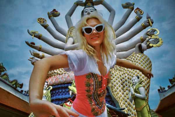 Holiday Sidewinder- promotional image