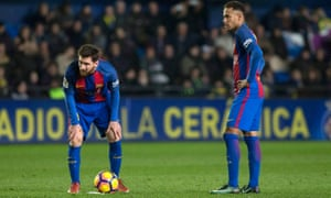 Lionel Messi, left, who scored from a late free-kick, and Neymar consider their options during Barcelona's draw with Villarreal.