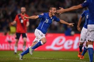 Alessandro Florenzi celebrates after scoring.