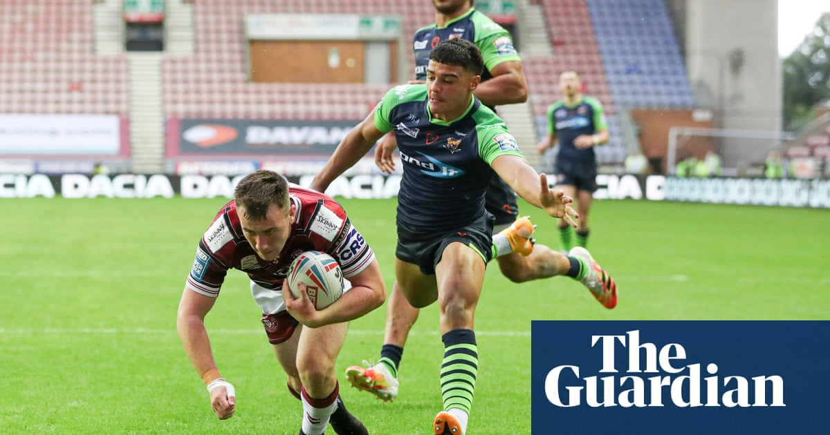 Harry Smith's late try gives Wigan vital victory over makeshift Huddersfield