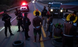 Kayapo protest that blocked the BR-163 road near Novo Progresso, Para, on 17 August.