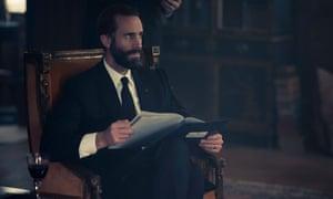 Joseph Fiennes as Commander Waterford