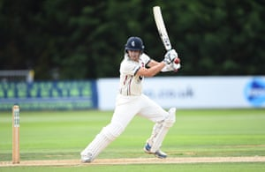 Joe Denly batting for Kent against Derby in Division Two.