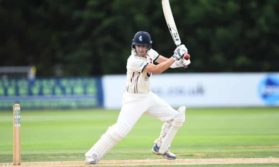 Joe Denly's form for Kent has won him the award of country cricket's most valuable player.