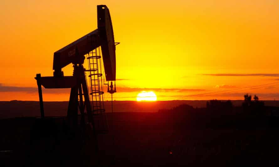 (FILES) This August 21, 2013 file photo shows an oil well near Tioga, North Dakota. US crude oil prices continued to fall August 24, 2015, diving below $40 a barrel to their lowest level since 2009, amid a global market selloff sparked by fears of China's slowdown. US benchmark West Texas Intermediate (WTI) for October delivery tumbled by $1.39 to $39.06 a barrel on the New York Mercantile Exchange around 1305 GMT. On August 21 the contract had slipped below $40 in intraday trade. AFP PHOTO / Karen BLEIER / FILESKAREN BLEIER/AFP/Getty Images