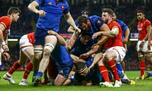 France's Guilhem Guirado goes over to score a late consolation try.