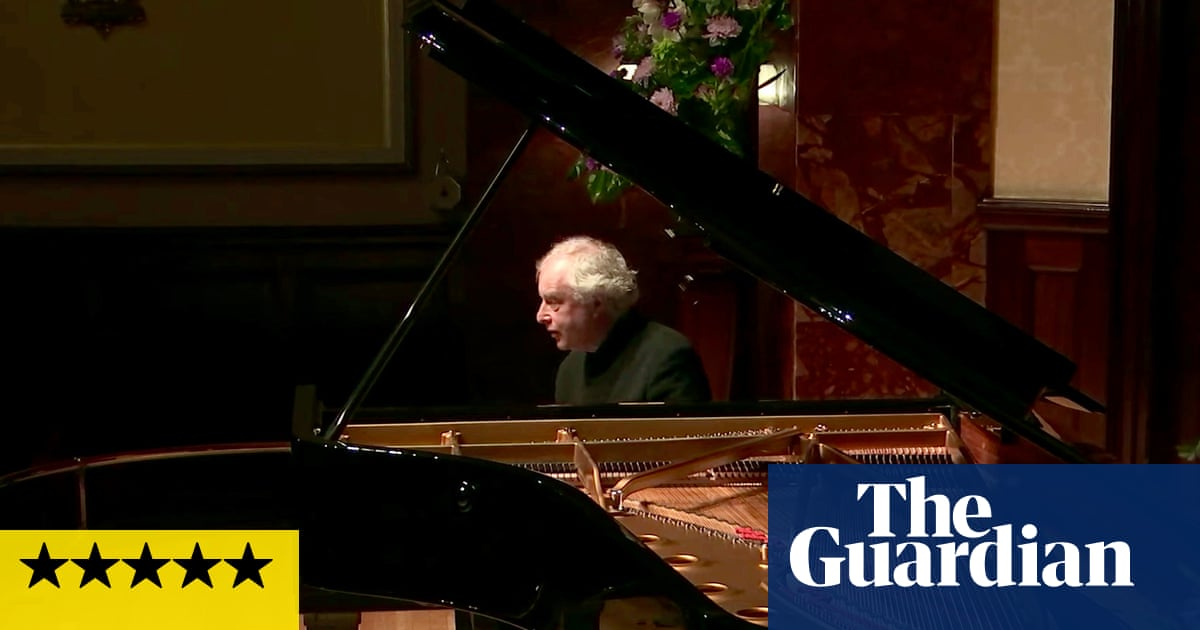 András Schiff at Wigmore Hall review – joy and solace