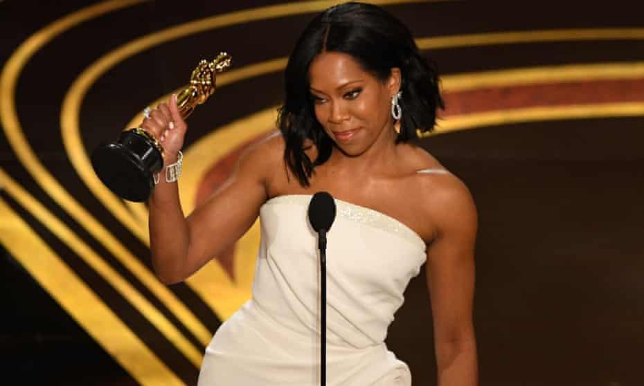 Regina King picks up her Oscar.