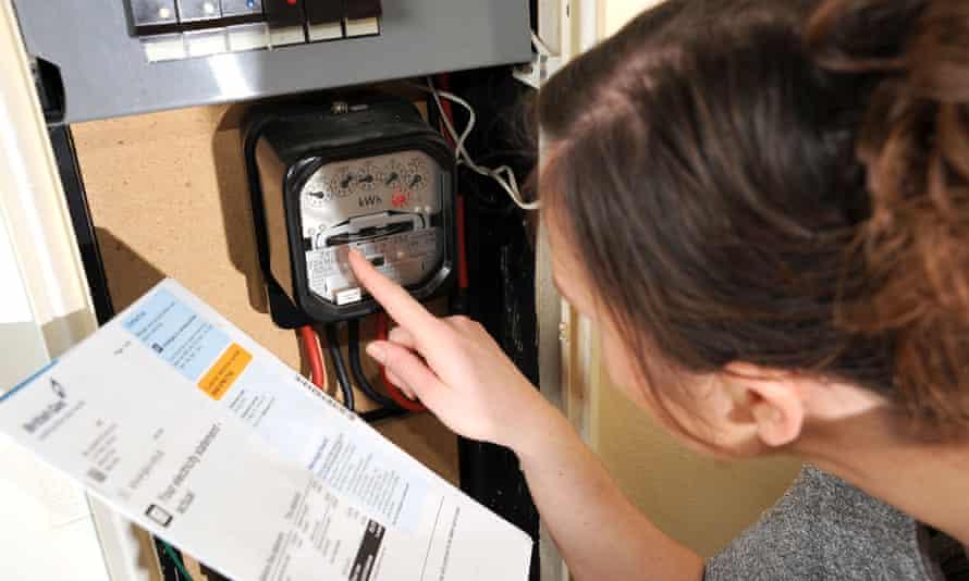 Algunos programas de descuento en el lugar de trabajo incluyen ahorros en los costos de energía.