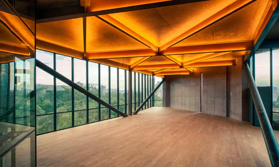 Interior of Torre 41, the Kalach-designed office building of TAX which faces Mexico City's Chapultepec Park.