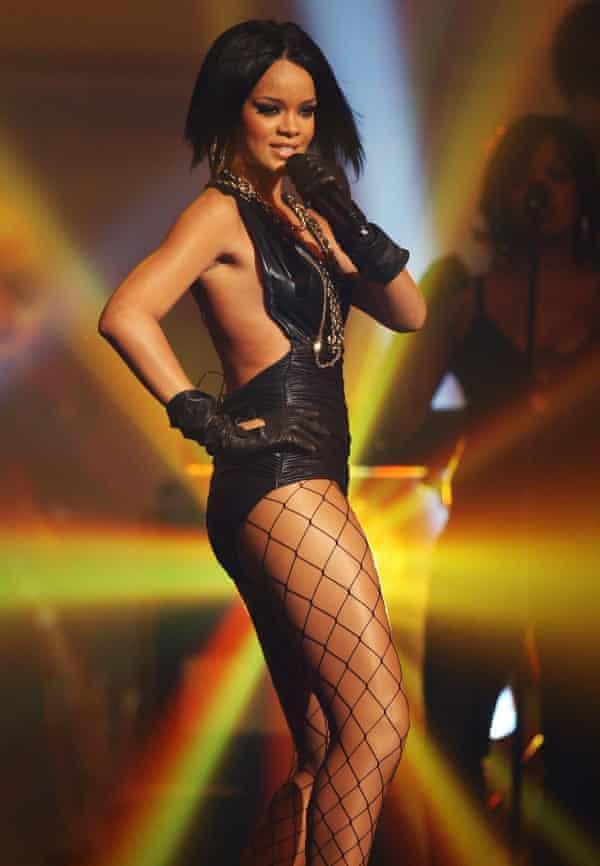 ریحانا در سال 2007 در نمایش The Dome 42 در هانوفر آلمان اجرا کرد.