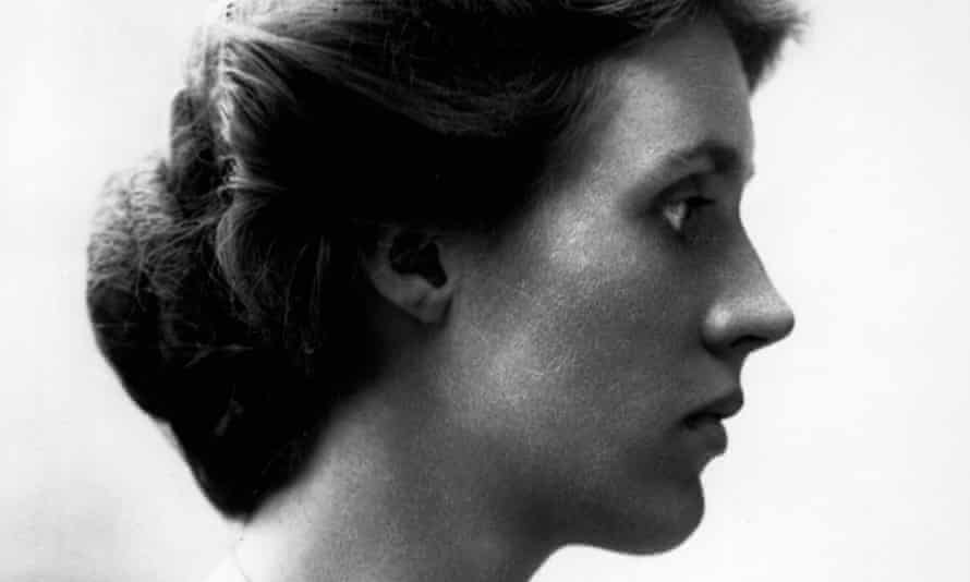 Walked an emotional tightrope in her private life … Vanessa Bell.