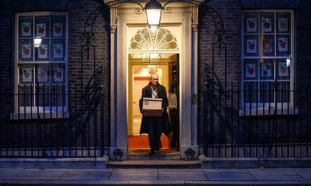 Dominic Cummings leaving No 10