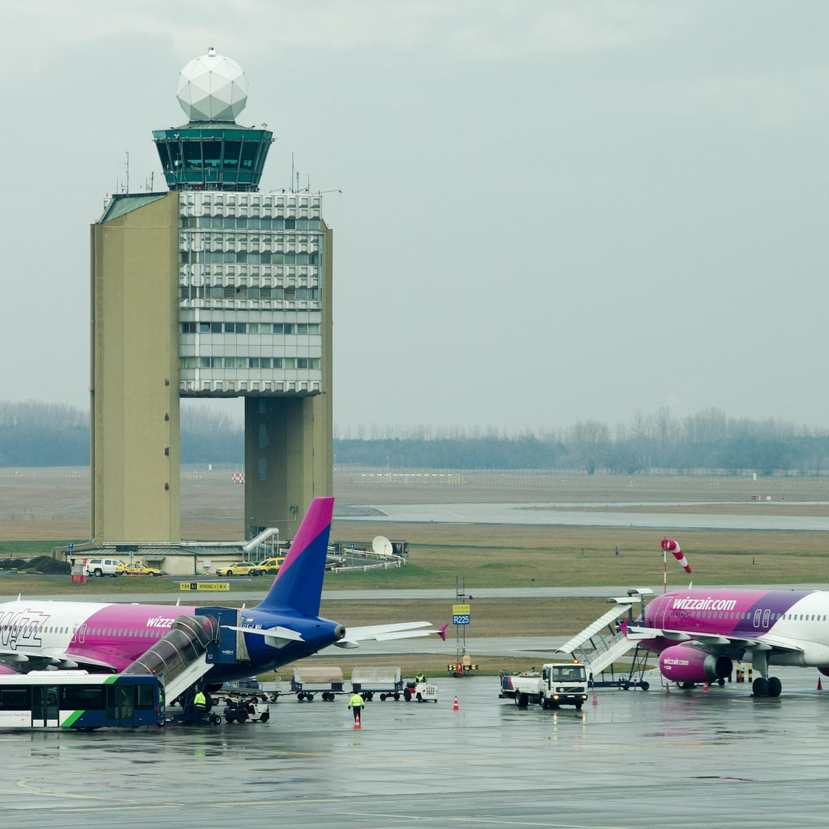 Wizz Air Cancelled My Flight But A Refund Is Not On The Cards Consumer Affairs The Guardian