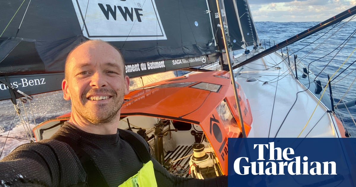 Just terrifying: Vendée Globe sailor rescued after yacht breaks in half