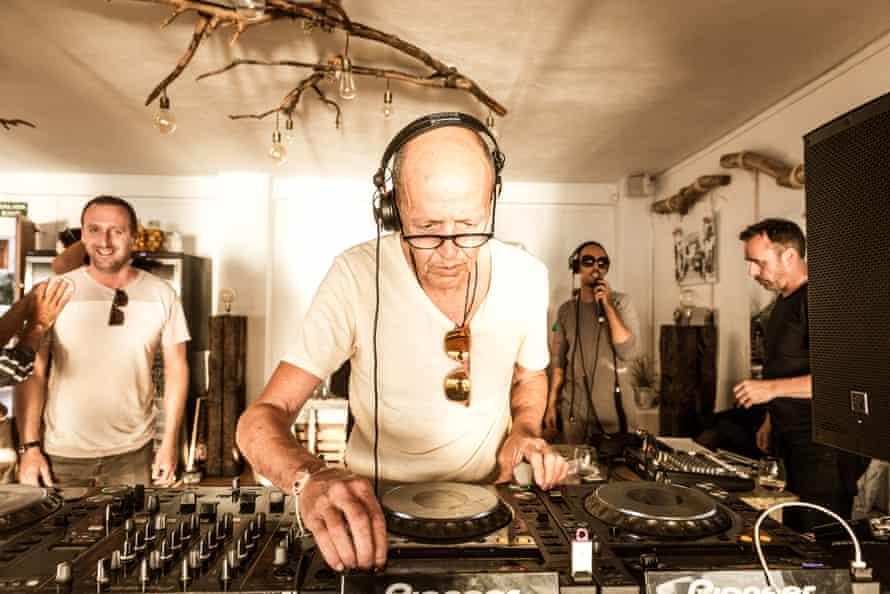 DJ Alfredo playing at La Torre, Ibiza.