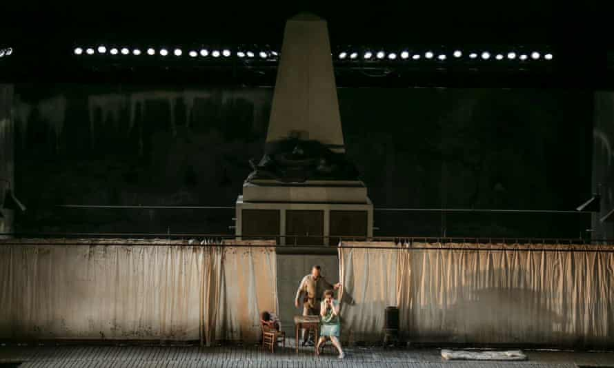 Wozzeck, Lyric Theatre of Chicago production, set design by Vicki Mortimer who also designed the costumes