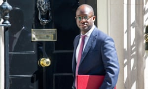 Sam Gyimah outside 10 Downing Street