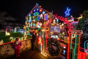 Christmas Houses.The Most Festive Houses In Britain In Pictures Life And
