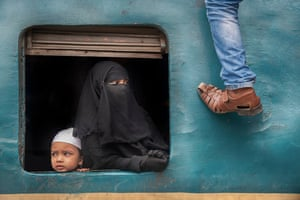 Yuet Yee Wong, Watch out Train station in Bangladesh