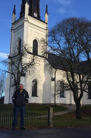 Hashem by the church in Skinnskatteberg, Sweden.