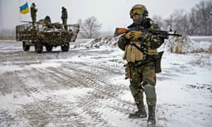 Ukrainian armed forces take their position near Debaltseve, eastern Ukraine