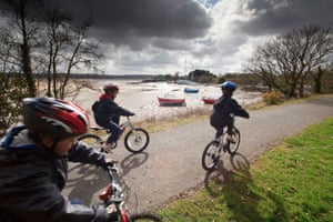 Young cyclists on the Tarka Trail National Cycle Route 27 at Braunton, North Devon