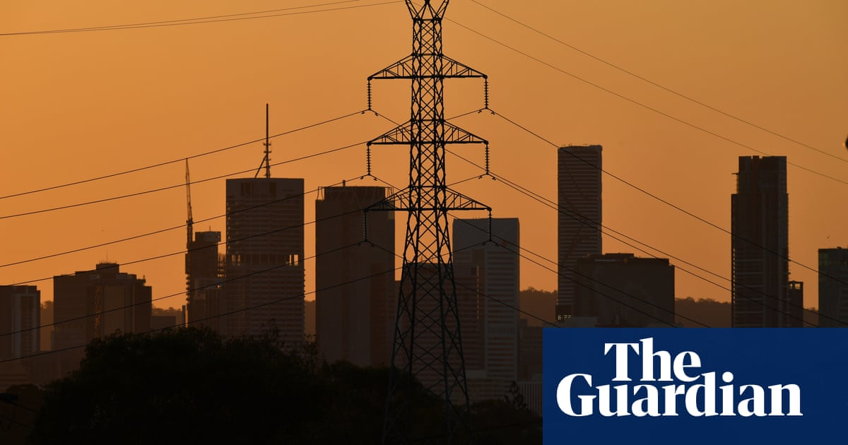 Queensland 2030 climate target would be scrapped if LNP win election as state's emissions rise