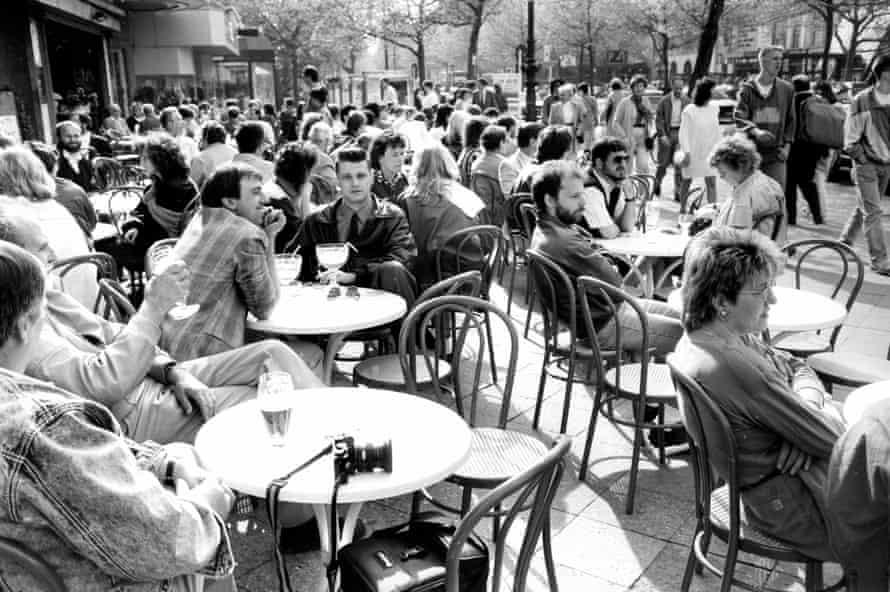 Cafe life in 1980s West Berlin.