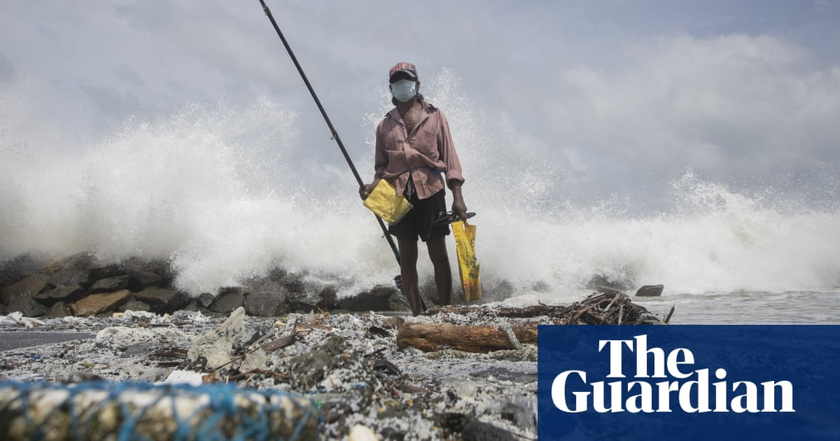 Sri Lankans face up to 'unmeasurable cost' of cargo ship disaster