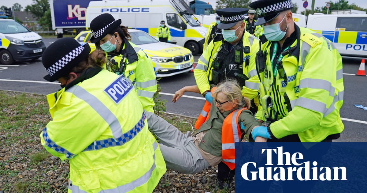 Environmental activists target M25 for fourth time in a week