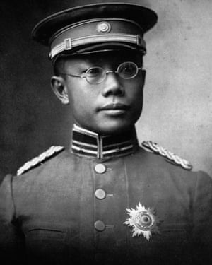 Wu Lien-teh fought a Chinese outbreak in 1910.