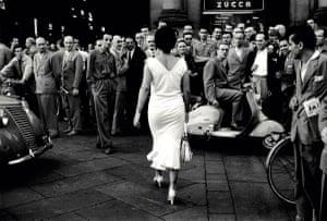 Mario De Biasi Gli italiani si voltano, 1954