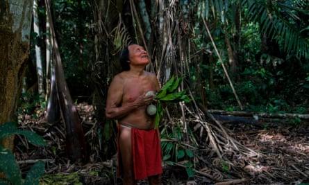 A Waiãpi man in the Waiãpi reserve in Brazil