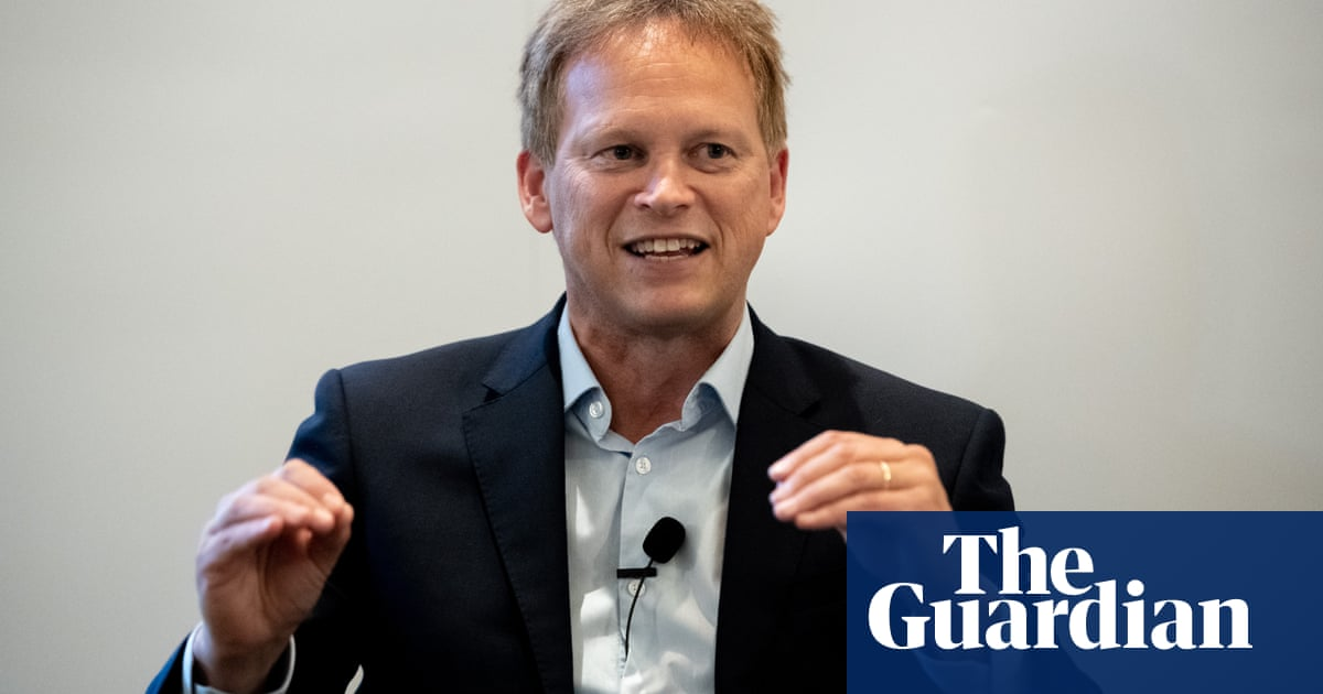 Shapps criticised for remarks on wearing masks in enclosed spaces