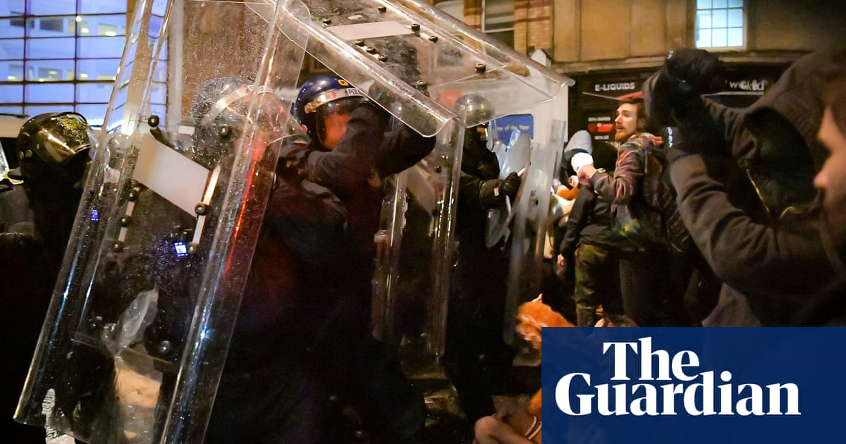 Police accused of using shields as weapons at Bristol 'kill the bill' protest