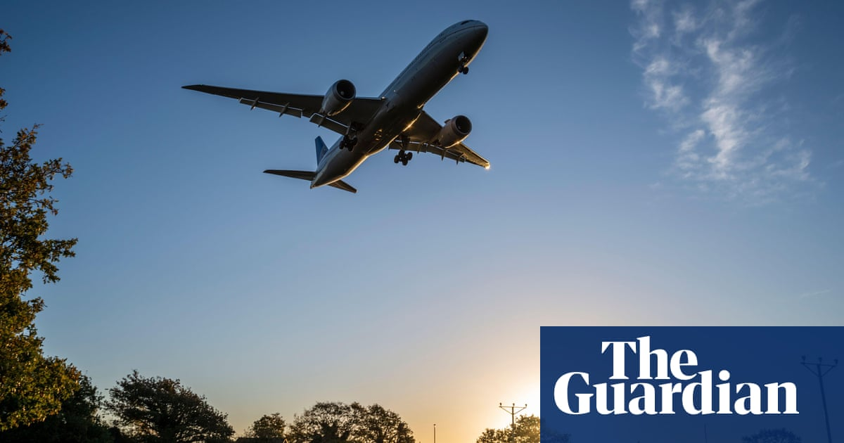 UK aviation's carbon plan allows rising emissions from planes