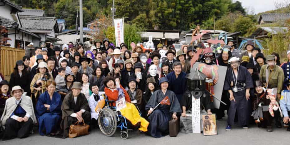 Fans dress like Kosuke Kindaichi or other characters from Seishi Yokomizo's novels, as part of a 2015 celebration of his life in Kurashiki, where he once lived.