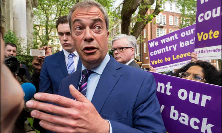 Nigel Farage campaigning to leave the EU in 2016.