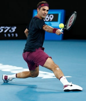 Roger Federer takes second set.