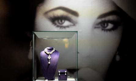 Jewellery belonging to Elizabeth Taylor on display