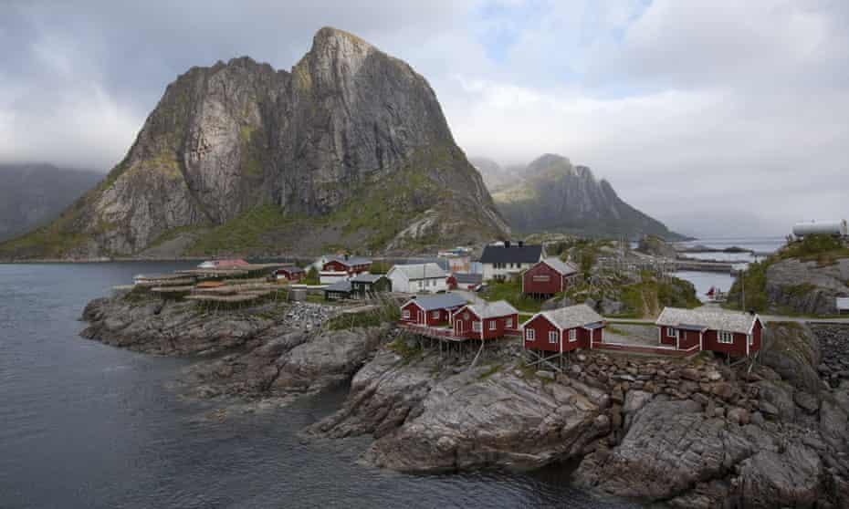 Reine village with rorbuer cabins on Moskenesøya island.