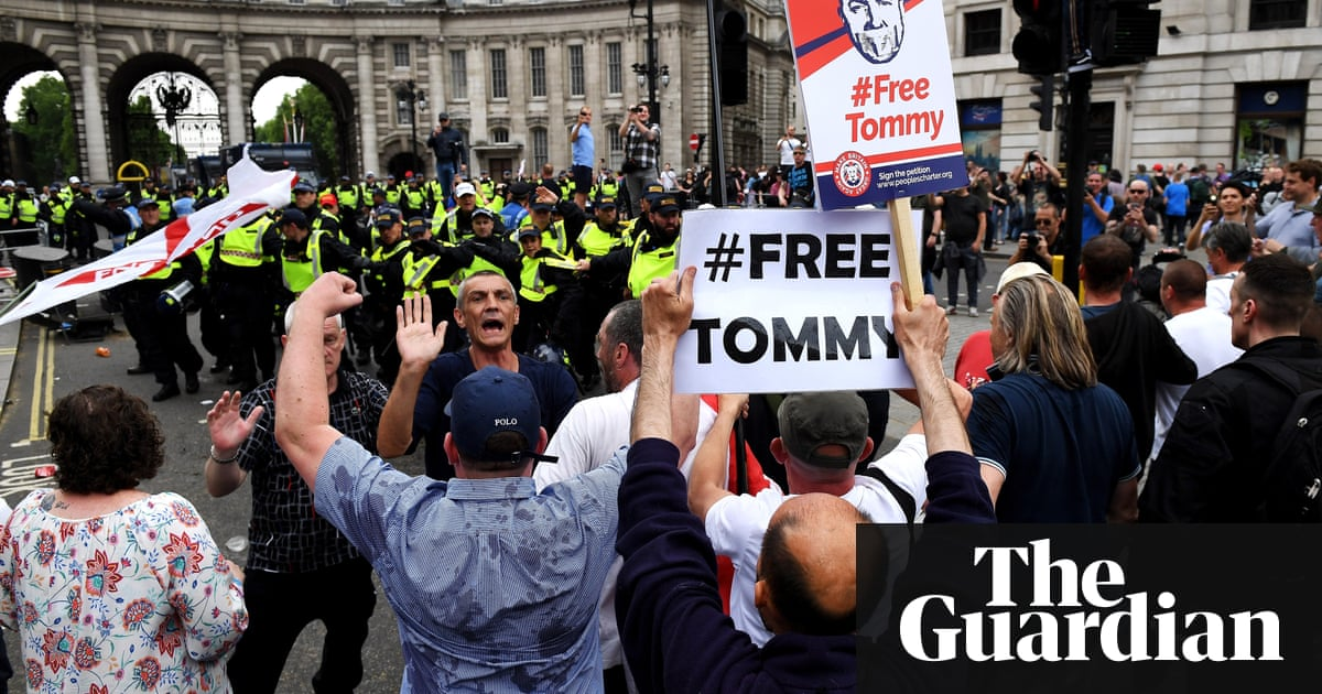 Far right reorganising for Tommy Robinson protests, say activists