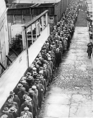 A New York City bread line in 1931. Many Americans endured periods in which they could not afford to eat during the Great Depression.