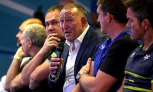 Steve Diamond (centre) had some harsh words for Saracens, who he coached in the 2000s.