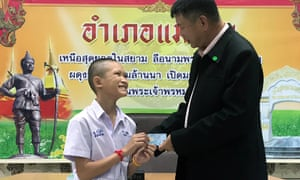 Mongkol Boonpiam receives Thai citizen ID card