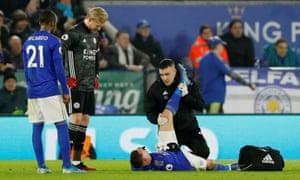 Leicester City's Jamie Vardy receives treatment.