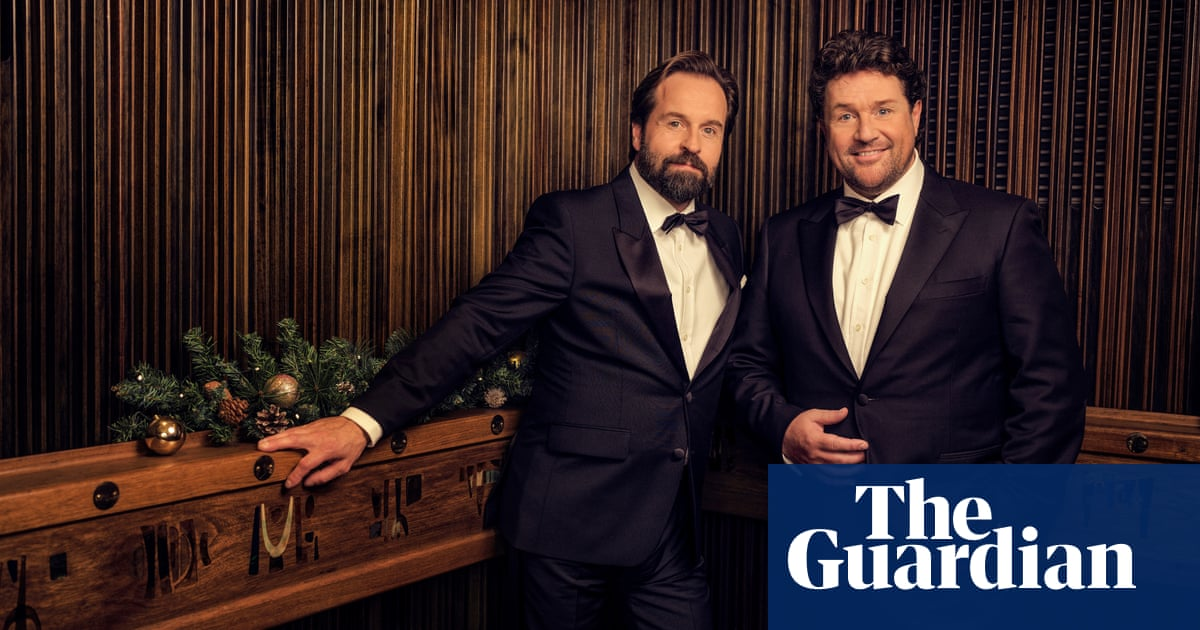 Were the UKs biggest boy band! Michael Ball and Alfie Boe, the new kings of Christmas