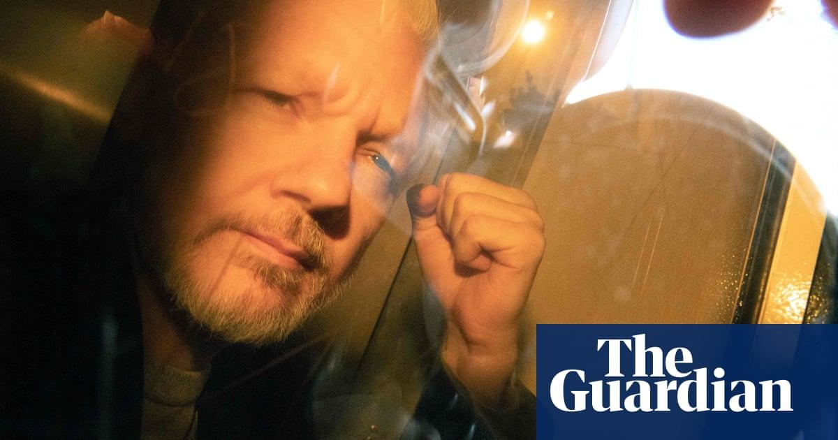 Julian Assange legal team begin 'big fight' over extradition
